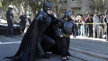 'Batkid,' Spider-Man hang out after Oscars cut