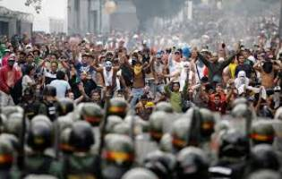 Venezuela expels Panama envoy and 3 other diplomats amid tensions over protests